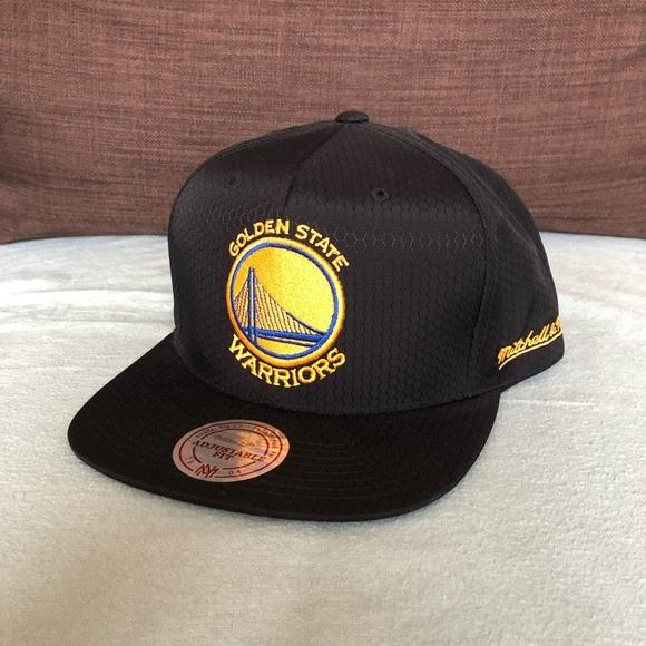 new arrival a263f b1c7f Golden State Warriors NBA Mitchell   Ness SnapBack. NWT. Mitchell   Ness.  M 5cb7fc3cb3e917eb05a5fefd. M 5cb7fc3eabe1ce2a153d5677.  M 5cb7fc3f79df27ec6cbfef3d